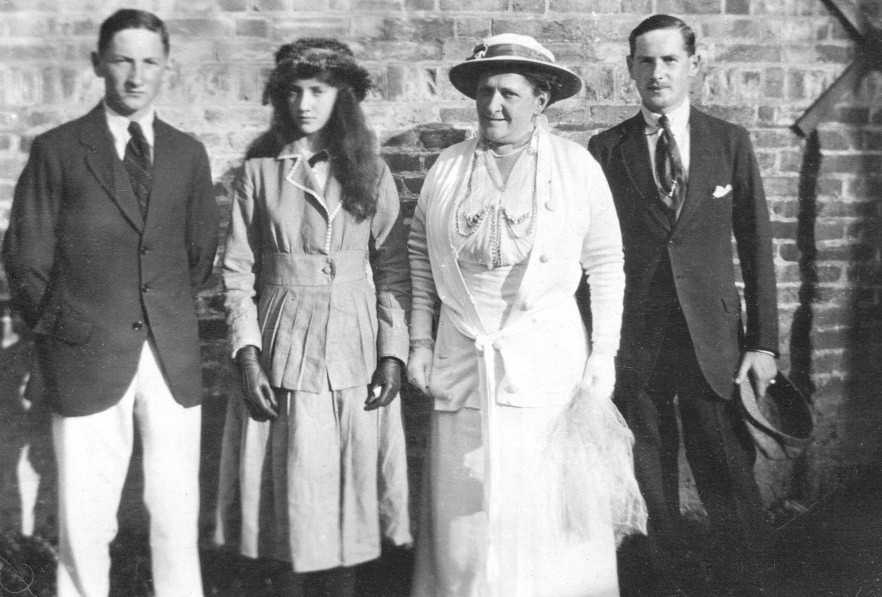 Blanche Campbell and her children Melfort,Sheena,Alastair